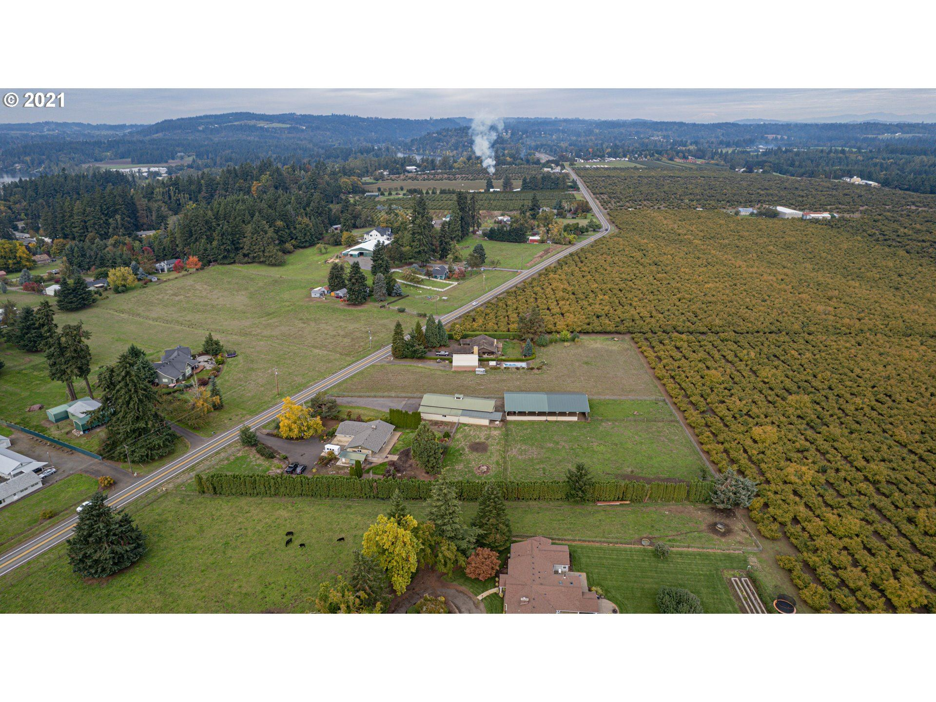 Photo of 22900 S HAINES RD, Canby, OR 97013 (MLS # 21122343)