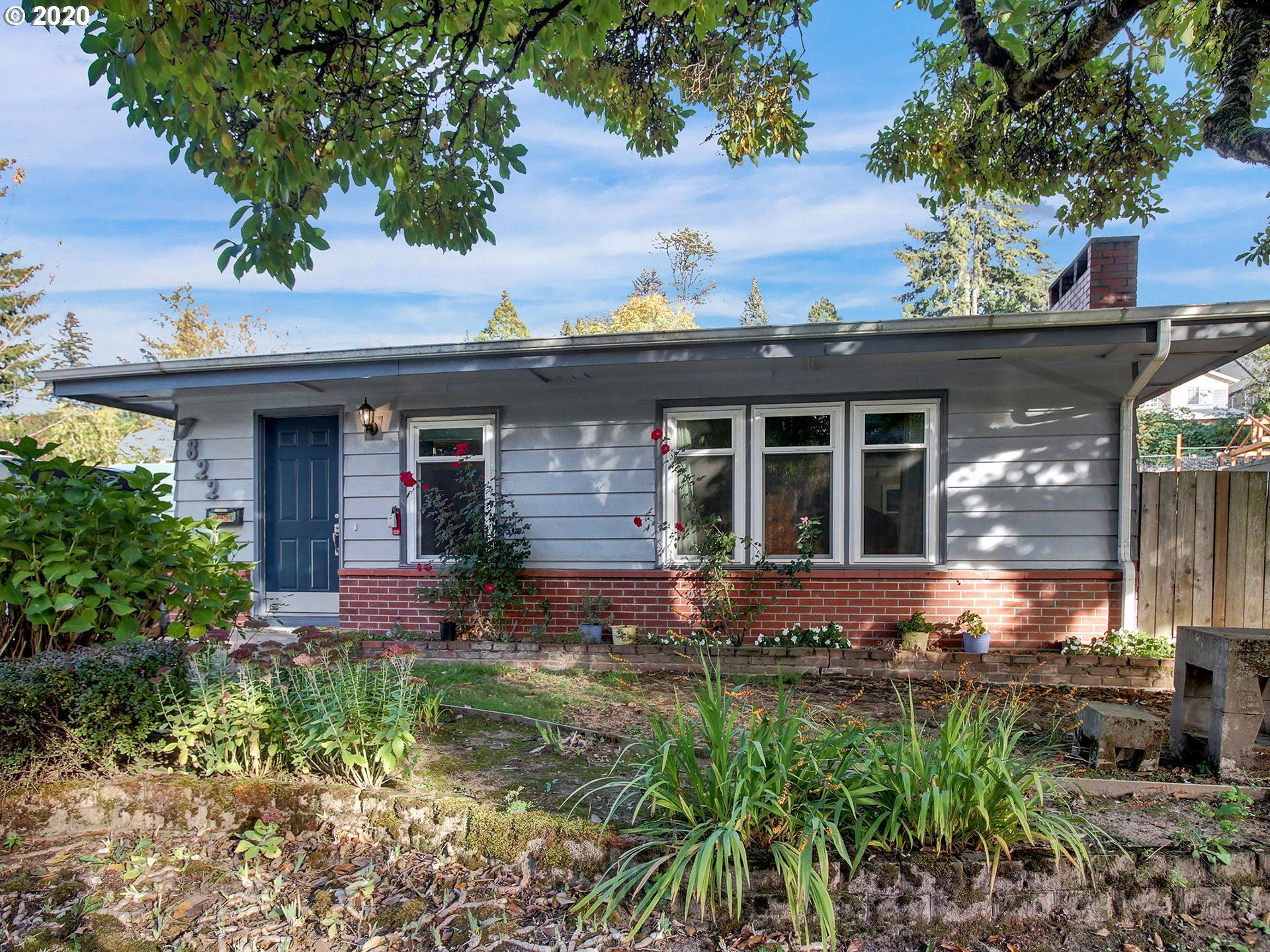 Photo for 7822 SW CAPITOL HILL RD, Portland, OR 97219 (MLS # 20553344)