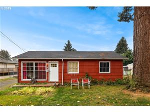 Photo of 10188 N CHARLESTON AVE, Portland, OR 97203 (MLS # 19328346)