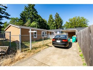 Photo of 6825 SE 47TH AVE, Portland, OR 97206 (MLS # 19518350)