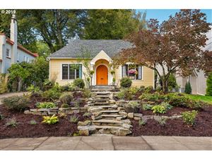 Photo of 7117 SE 30TH AVE, Portland, OR 97202 (MLS # 19521352)