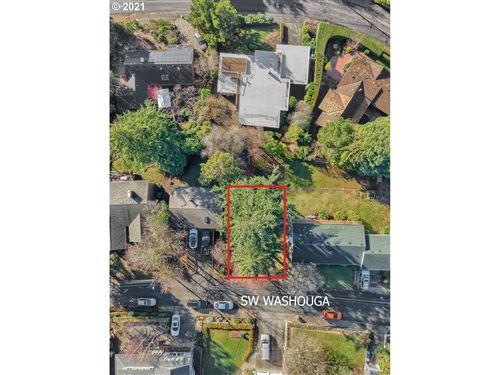 Photo of SW WASHOUGA AVE, Portland, OR 97239 (MLS # 20517352)