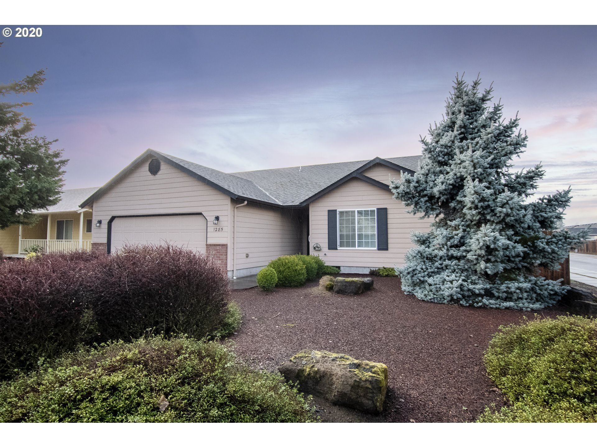 Photo for 1285 N 1ST ST, Creswell, OR 97426 (MLS # 20436356)