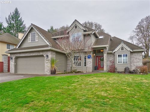 Photo of 1190 SW RUSS LN, McMinnville, OR 97128 (MLS # 19067360)
