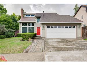 Photo of 4901 SE 33RD AVE, Portland, OR 97202 (MLS # 19666360)
