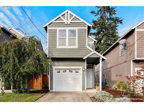 Photo of 8805 N BURRAGE AVE, Portland, OR 97217 (MLS # 21268361)
