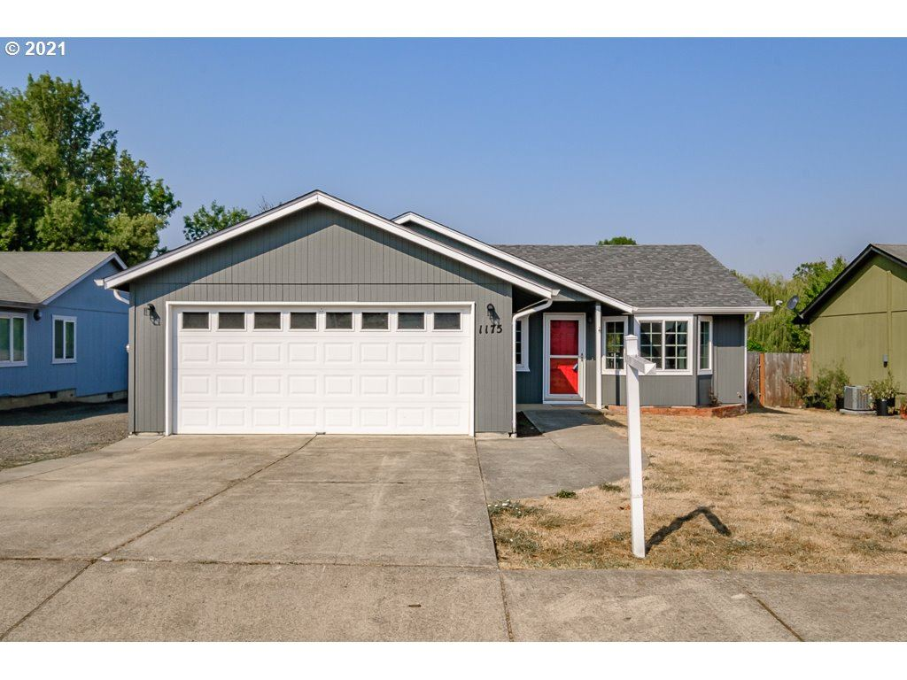 Photo for 1175 ASH GROVE LOOP, Creswell, OR 97426 (MLS # 21468361)