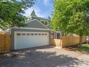 Photo of 9605 SW 50TH AVE, Portland, OR 97219 (MLS # 19271363)