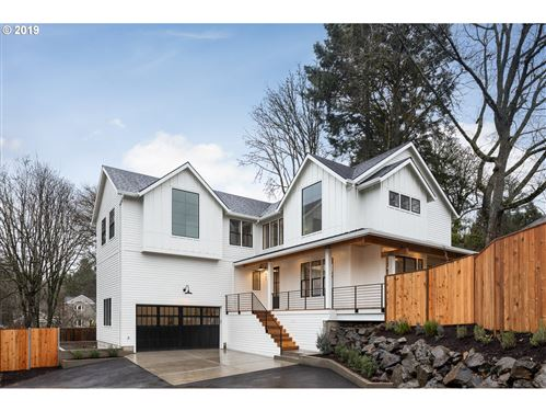 Photo of 933 SW Maplecrest CT, Portland, OR 97219 (MLS # 20034363)