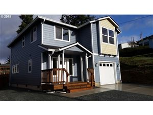 Photo of 1031 HARRIS, Myrtle Point, OR 97458 (MLS # 18480364)