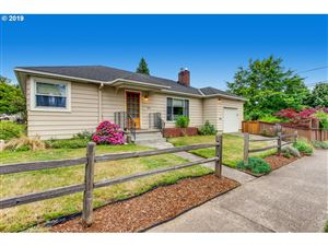 Photo of 7606 SE 42ND AVE, Portland, OR 97206 (MLS # 19250364)