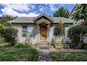 Photo of 3724 SE 71ST AVE, Portland, OR 97206 (MLS # 19109366)