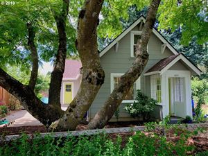Photo of 4805 SE 77TH AVE, Portland, OR 97206 (MLS # 19476366)