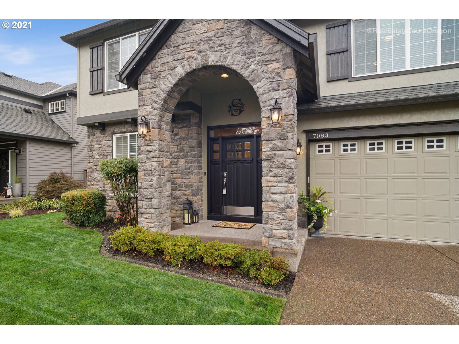 Photo of 7083 SW IRON HORSE ST, Wilsonville, OR 97070 (MLS # 21041367)