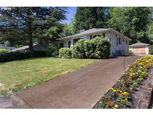 Photo of 8927 SW 36TH AVE, Portland, OR 97219 (MLS # 19345368)