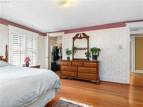 Tiny photo for 2137 NE 51ST AVE, Portland, OR 97213 (MLS # 20585368)