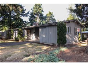 Photo of 1915 SW WELLINGTON AVE, Portland, OR 97225 (MLS # 19038370)