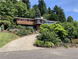 Photo of 2422 SW SEYMOUR DR, Portland, OR 97239 (MLS # 19114371)
