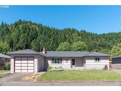 Tiny photo for 47723 W 2ND ST, Oakridge, OR 97463 (MLS # 20081371)