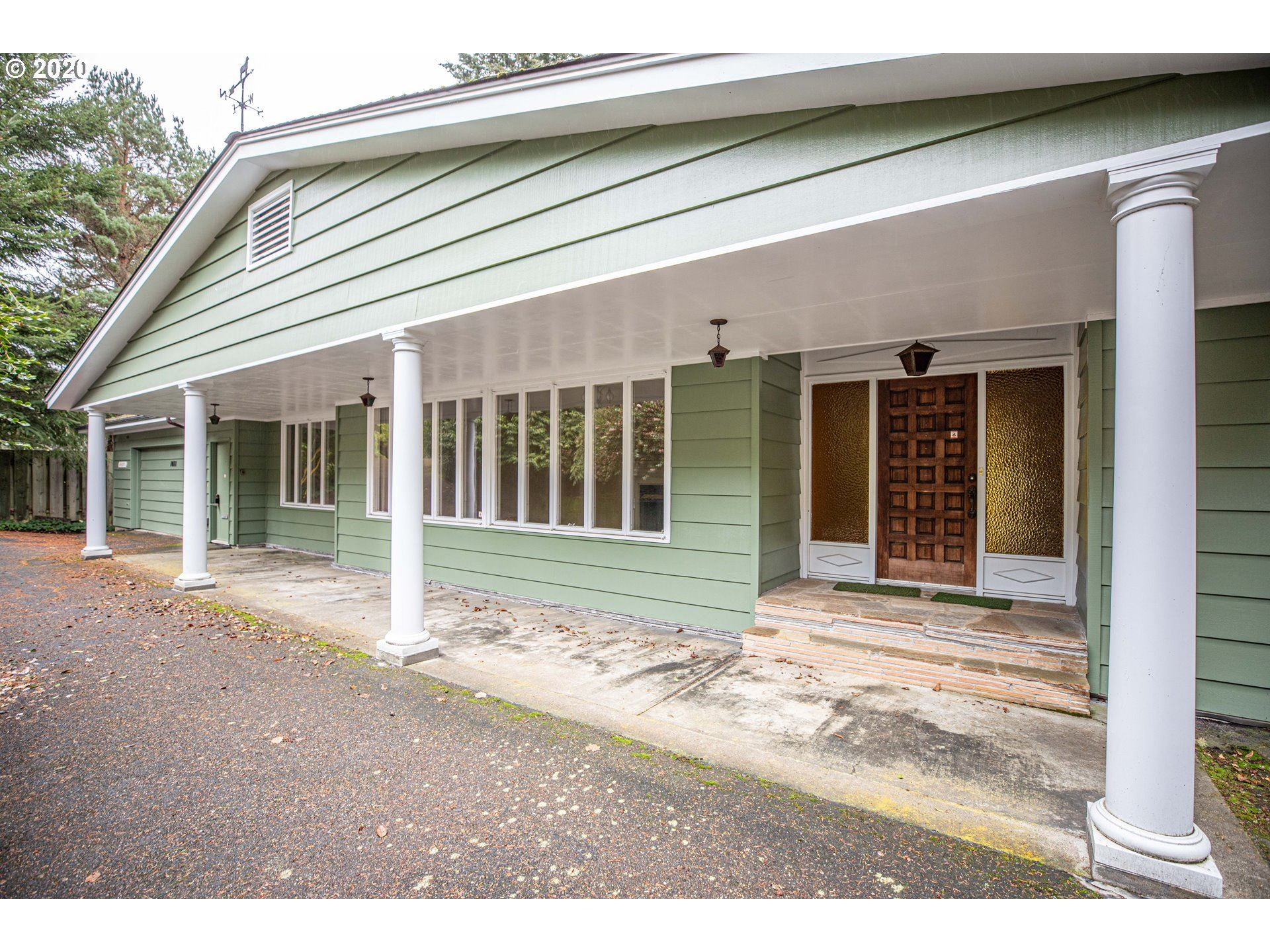 1071 DATE AVE, Coos Bay, OR 97420 - MLS#: 20147372