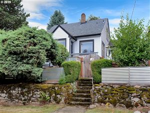 Photo of 8413 SW 4TH AVE, Portland, OR 97219 (MLS # 19173373)