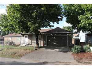 Photo of 9233 SE GLADSTONE ST, Portland, OR 97266 (MLS # 19358373)