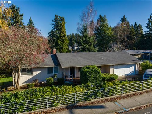 Photo of 13950 SW 121ST AVE, Portland, OR 97223 (MLS # 19563377)