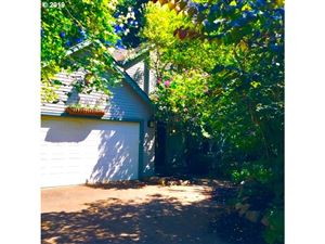Photo of 2248 SE 76TH AVE, Portland, OR 97215 (MLS # 19456378)