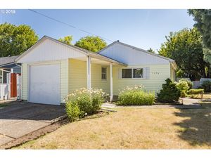 Photo of 7634 N FESSENDEN ST, Portland, OR 97203 (MLS # 19552380)