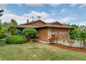 Photo of 1315 SE 179TH AVE, Portland, OR 97233 (MLS # 19563381)