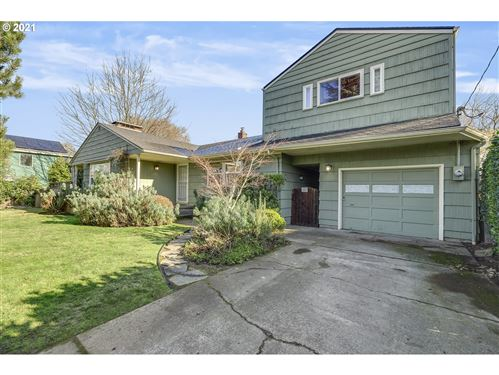 Photo of 6124 NE 52ND AVE, Portland, OR 97218 (MLS # 21144382)