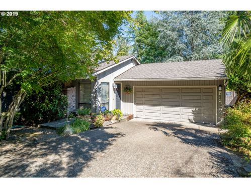 Photo of 7060 SW 77TH AVE, Portland, OR 97223 (MLS # 20462384)