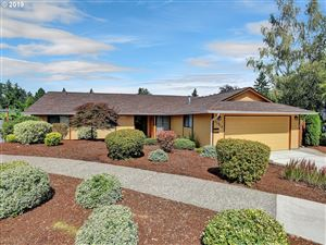 Photo of 13915 SW AZALEA CT, Beaverton, OR 97008 (MLS # 19087385)