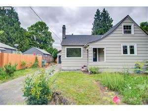 Photo of 4002 SE TIBBETTS ST, Portland, OR 97202 (MLS # 19459385)