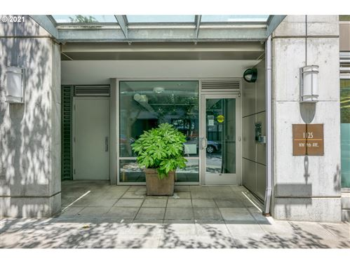 Photo of 1125 NW 9TH AVE #224, Portland, OR 97209 (MLS # 21515385)