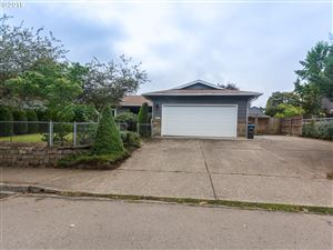 Photo of 1210 SW FELLOWS ST, McMinnville, OR 97128 (MLS # 19138387)