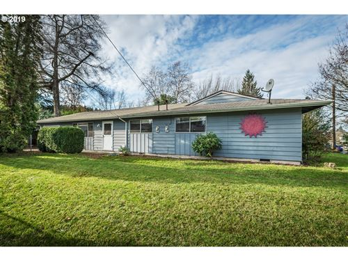 Photo of 10330 SW MCDONALD ST, Tigard, OR 97224 (MLS # 19255388)