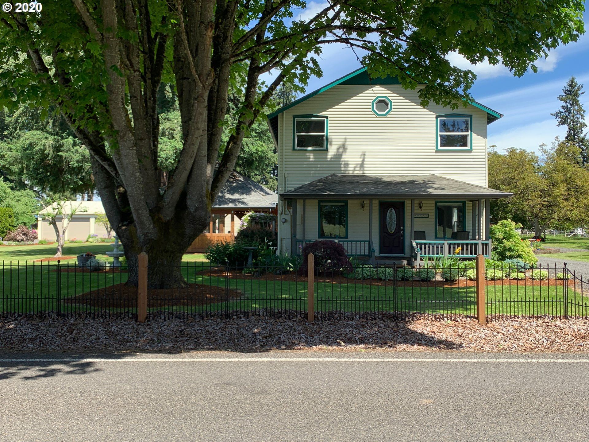 Photo for 85790 EDENVALE RD, Pleasant Hill, OR 97455 (MLS # 20126389)