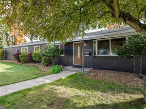 Photo of 5740 SE 23RD AVE, Portland, OR 97202 (MLS # 19202390)