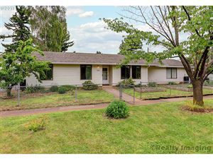 Photo of 6128 SE 77TH AVE, Portland, OR 97206 (MLS # 19381391)