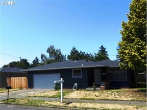 Photo of 839 SE 166TH PL, Portland, OR 97233 (MLS # 19065392)