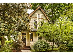 Photo of 3322 SW WATER AVE, Portland, OR 97239 (MLS # 19274393)