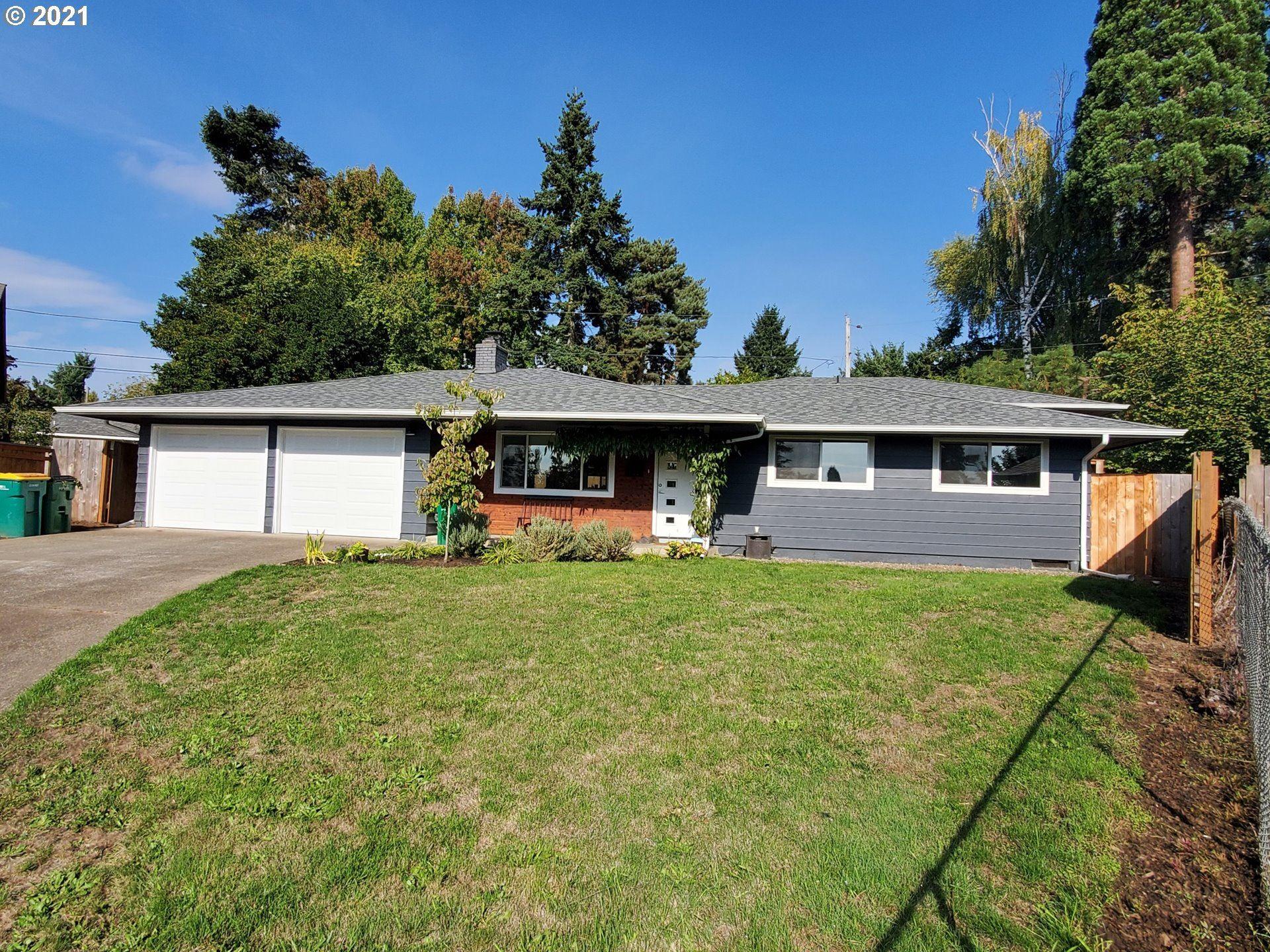 Photo of 13485 SW DRIFTWOOD PL, Beaverton, OR 97005 (MLS # 21685393)