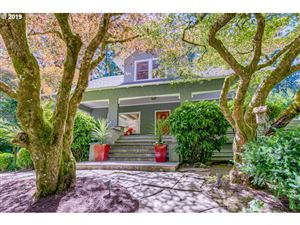 Photo of 1673 SW RADCLIFFE RD, Portland, OR 97219 (MLS # 19498394)