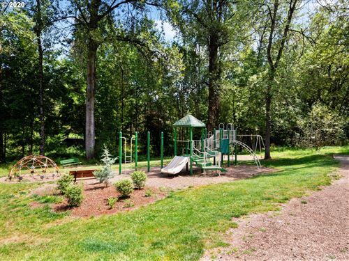 Tiny photo for 41 GREENRIDGE CT, Lake Oswego, OR 97035 (MLS # 21107394)