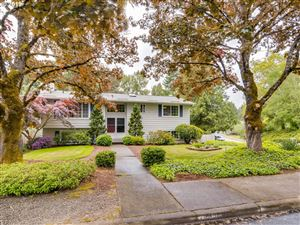 Photo of 11410 SW IRONWOOD LOOP, Tigard, OR 97223 (MLS # 19183395)