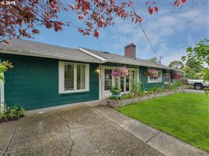 Photo of 4405 SE 100TH AVE, Portland, OR 97266 (MLS # 19403395)