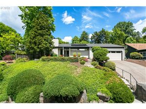 Photo of 3753 SW LYLE CT, Portland, OR 97221 (MLS # 19189397)
