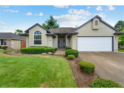 Photo of 1578 SW WRIGHT ST, McMinnville, OR 97128 (MLS # 21483397)