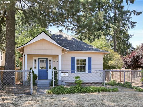 Photo of 7025 SE 66TH AVE, Portland, OR 97206 (MLS # 21687397)